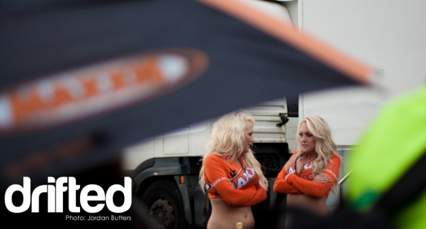 Maxxis pit girls