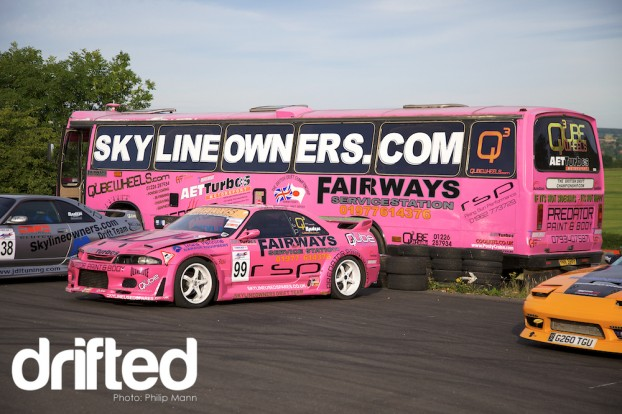 Skyline Bus at Donny