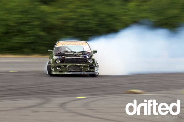 BMW E30 Smoking at Donny