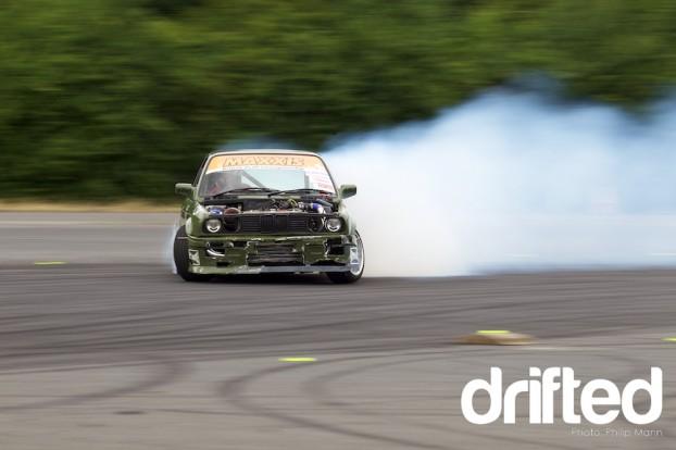 BMW E30 Smoking at Donny