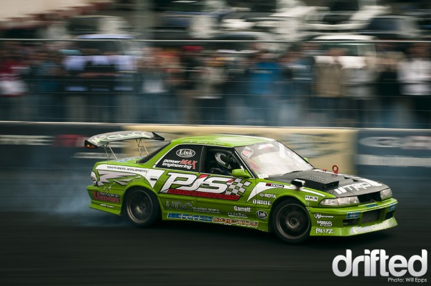 Toyota Chaser drifting