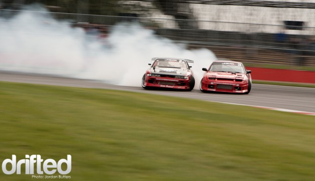 Close twin drifting