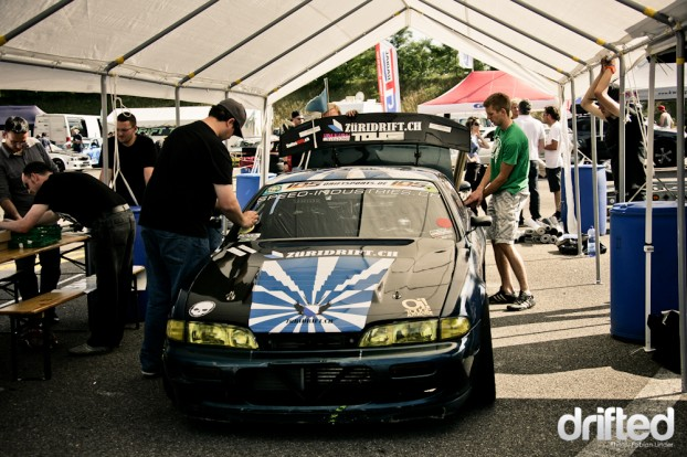 After the technical inspection, the cars were ready for drifting