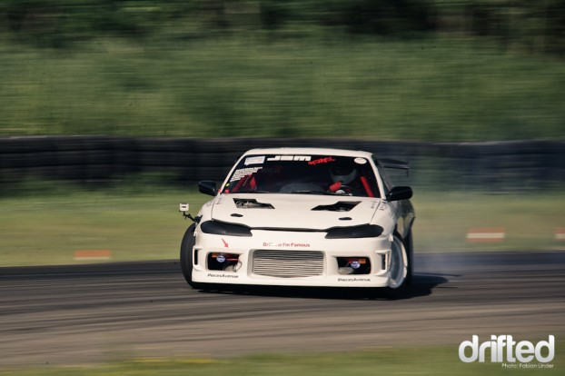 brand new build up from the team Famous D, a S15 with 2JZ
