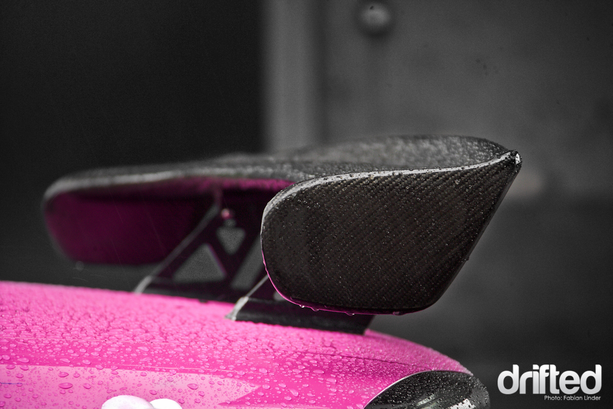 Modified to match the german law: the carbon fibre wing