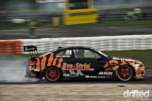 Team Live-Strip driver Alexander Gräff first had his troubles with the track, but after some rounds, his E92 M3 felt comfortable
