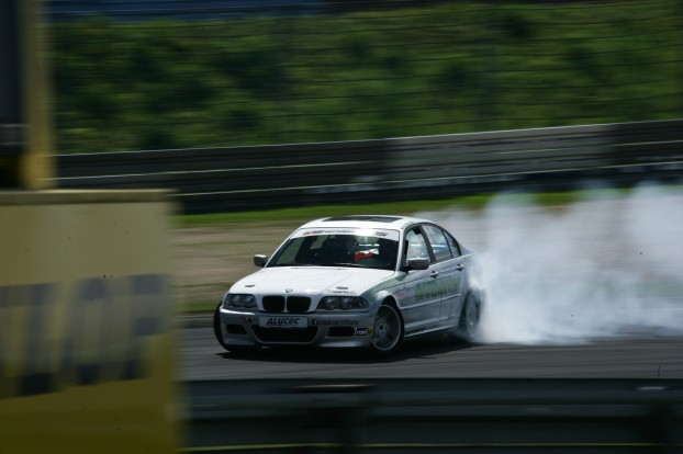 """The favorite in the street class: Markus """"the drifthunter"""" Müller in his E46 330i"""