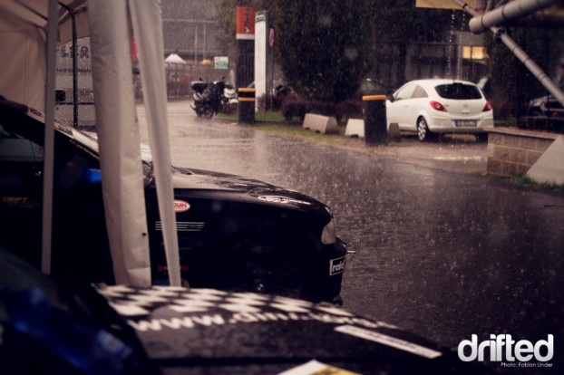 While the drivers where discussing what to do, the cars were washed by the italian summerrain