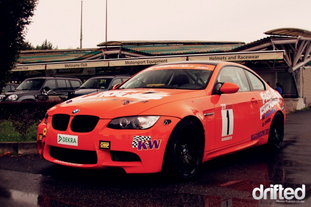 This drift car of the Italian Stella D1 series wasn´t competing, id love to see this lovely E92 wrecking some tires.