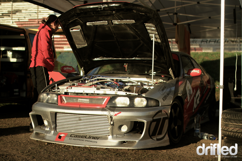 Almost to perfect for drifting: the czech kr-driftteam brought a nice R33 with a 600hp RB26