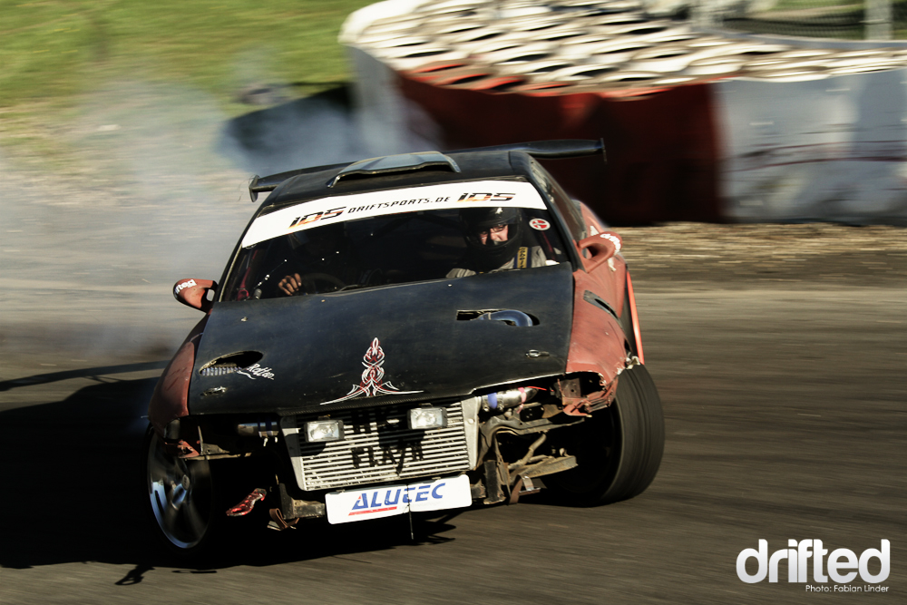 Rat rod? This danish R32 was painted flat brown and had some nice pinstripings al over the car