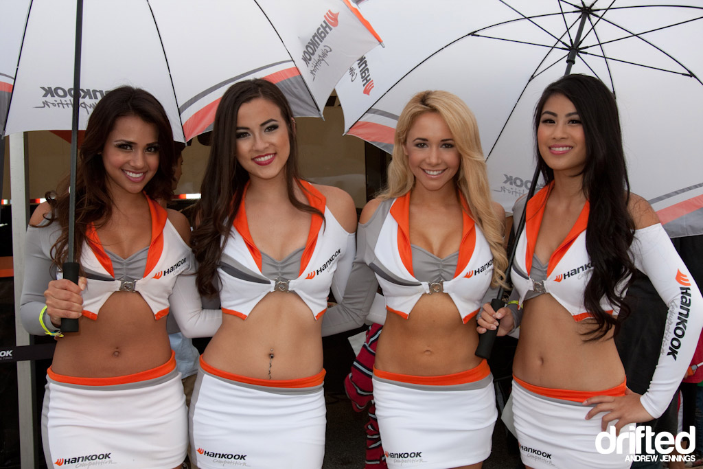 Hankook Tires Umbrella Girls