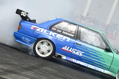 NEWS: Falken Drift Team Sets World Record