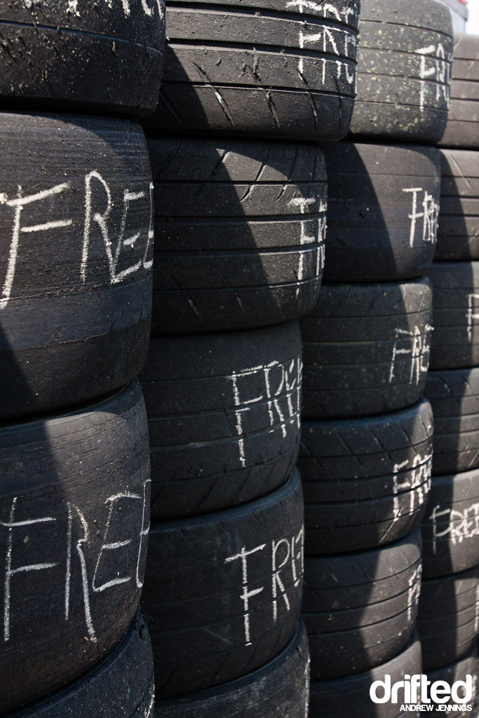 Free Tire Wall