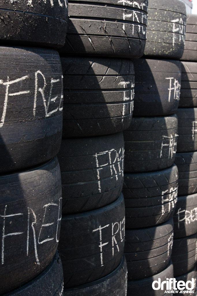 Free Tire Wall