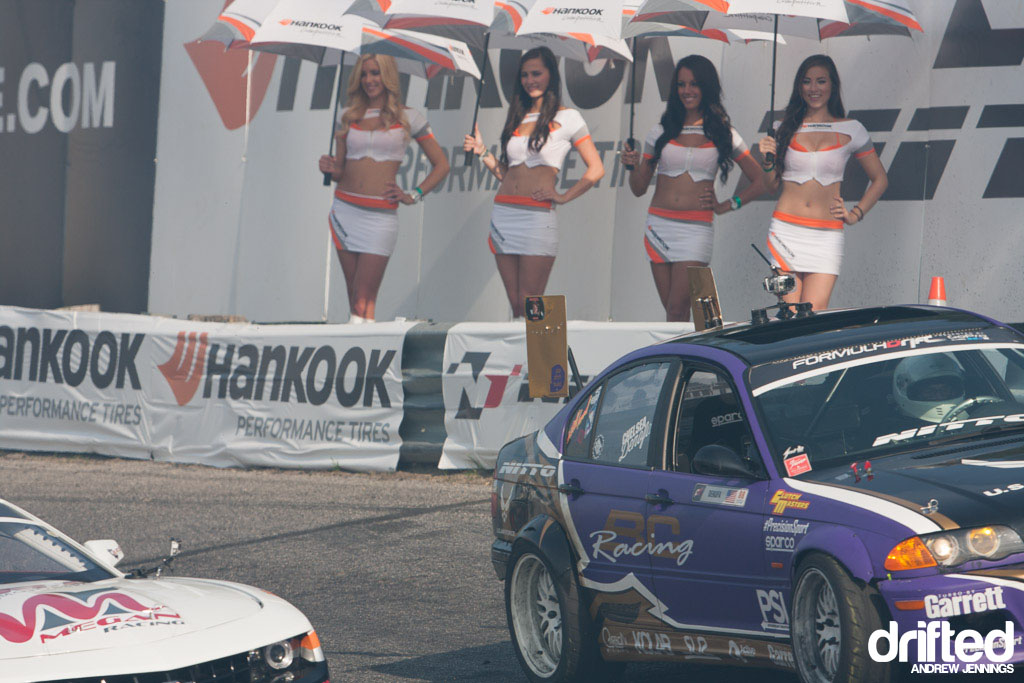 Hankook Tire Umbrella Girls