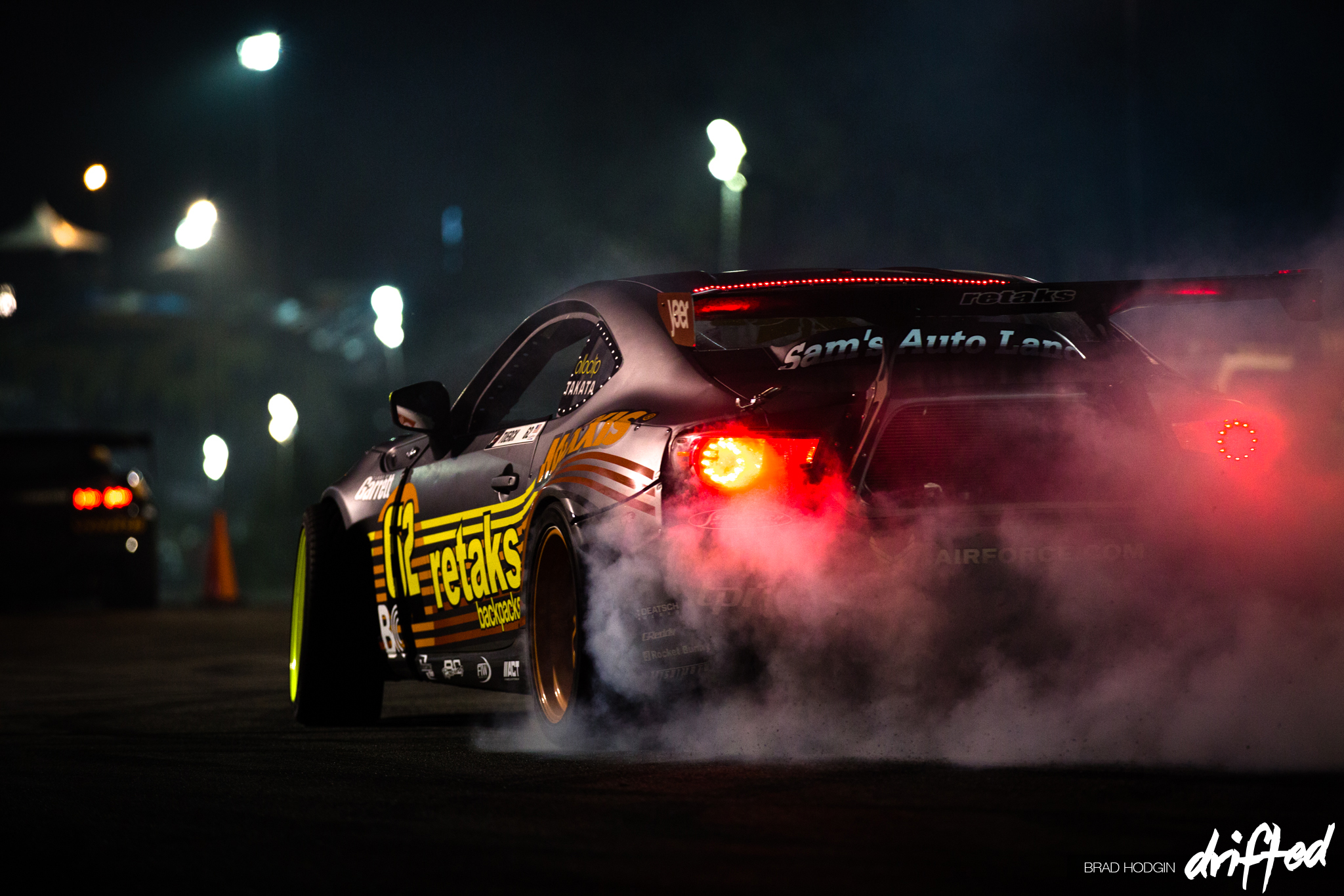 Ryan_Tuerck_night_burnout