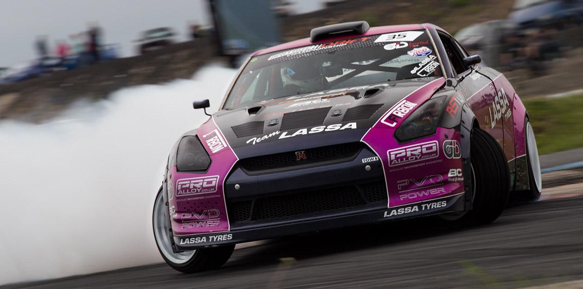 Team Lassa Nissan R35 GT