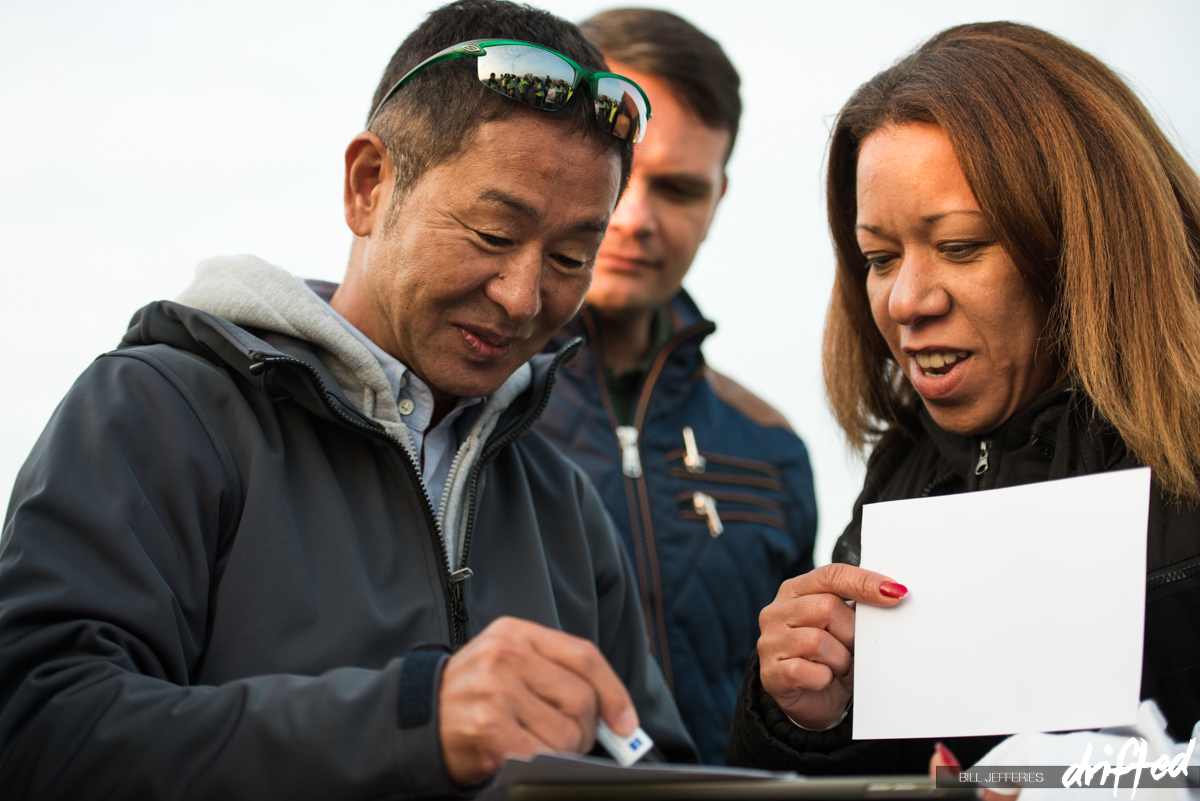 Keiichi Tsuchiya - drift king - signing autographs from fans