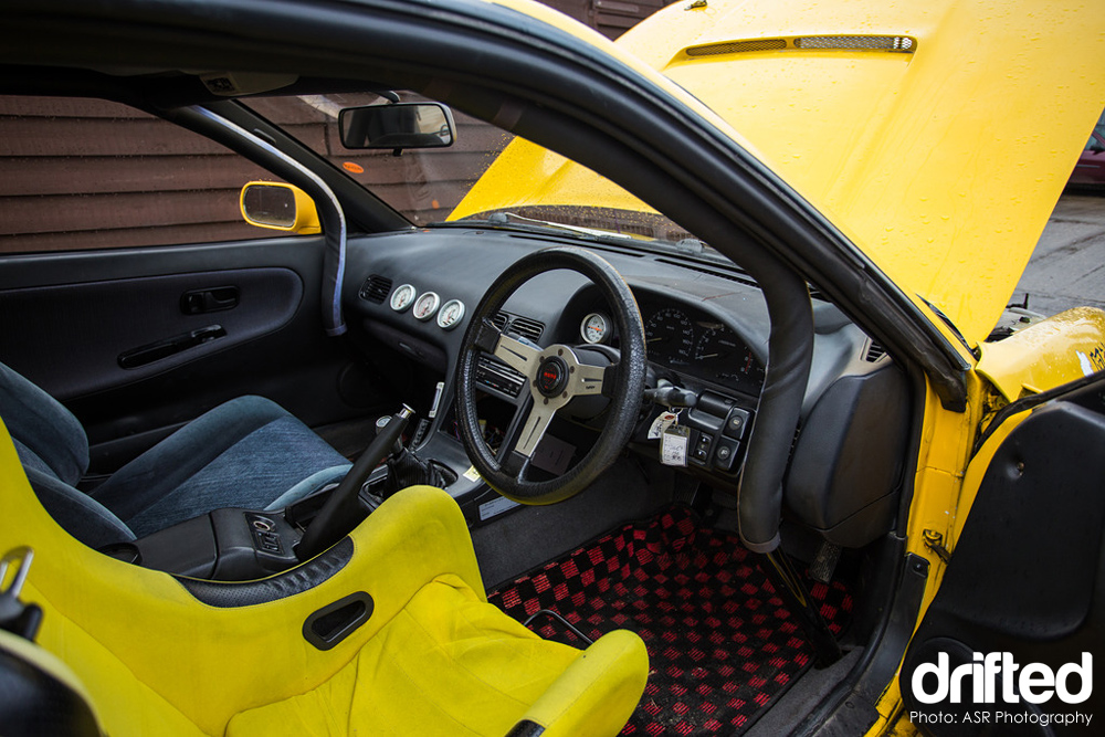 yellow silvia ps13 cockpit