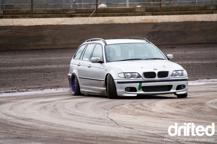 diemax-drift-challenge-bmw-estate-drifting
