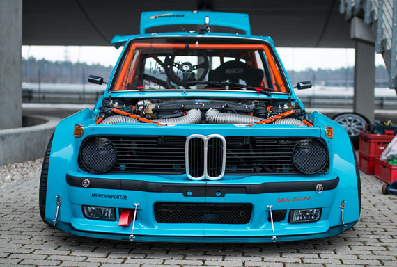 bmw 2002 drifted
