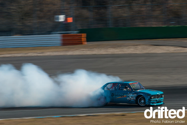 bmw 2002 high speed drift