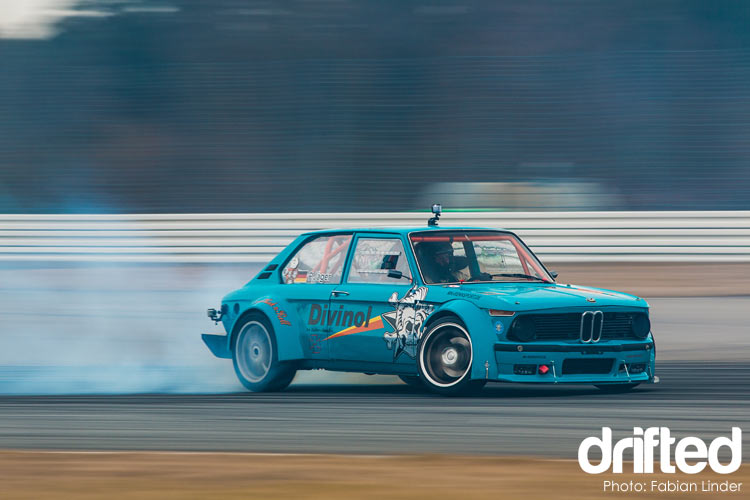 bmw 2002 drift
