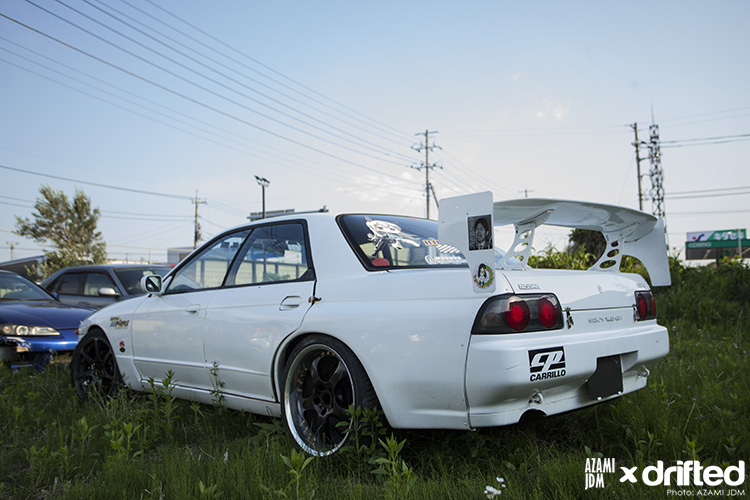 Nissan Skyline R32 Four Door side