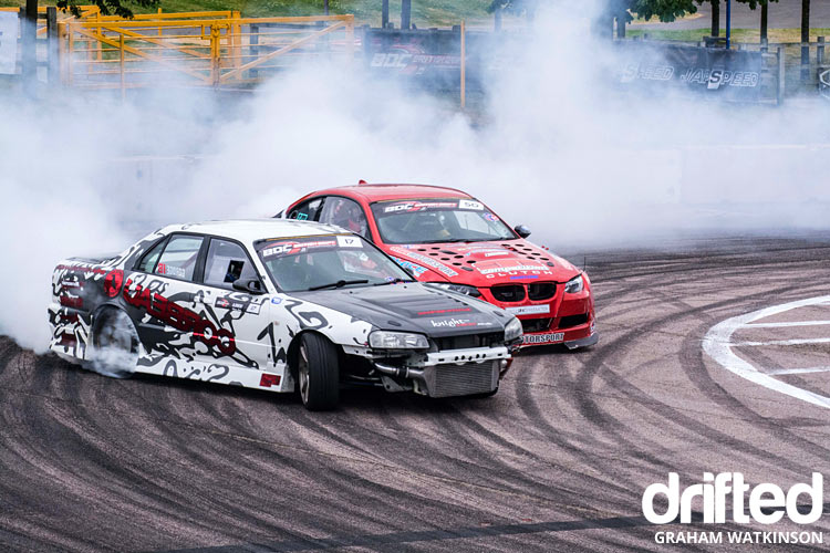 r34 skyline vs bmw e92 twin drift