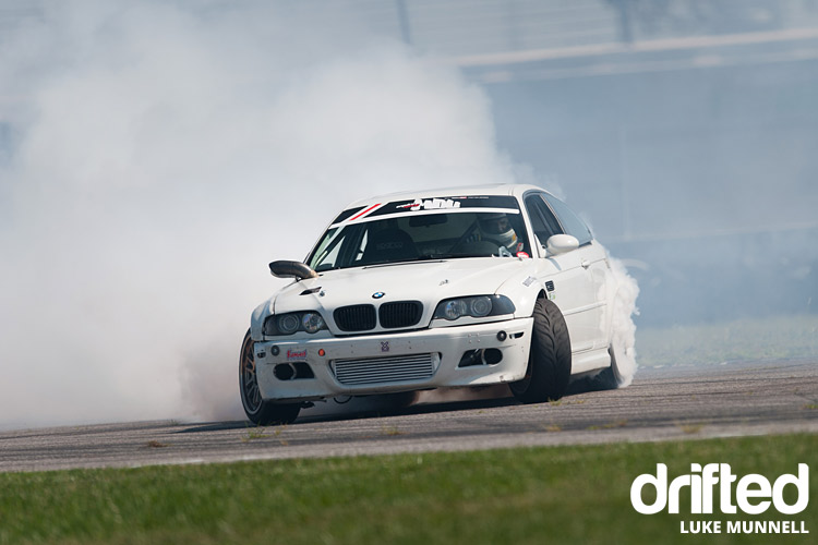 street-driven-tours-2017-st-louis-white-bmw-m3-e46-smokescreen