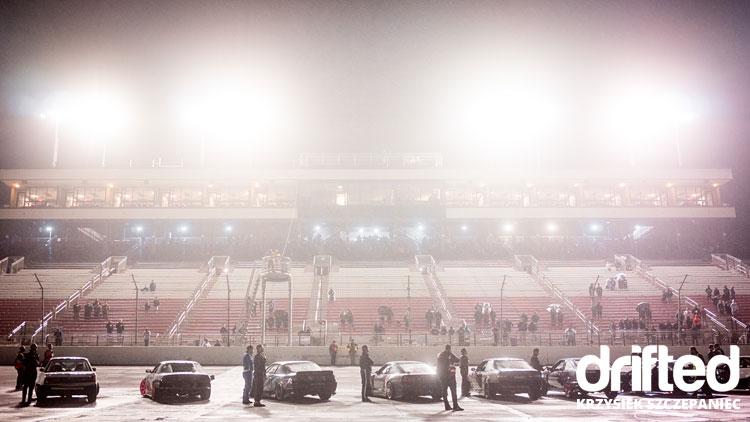 drifters lineup under lights