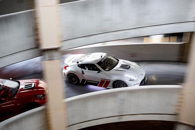 nissan 370Z drifting mall