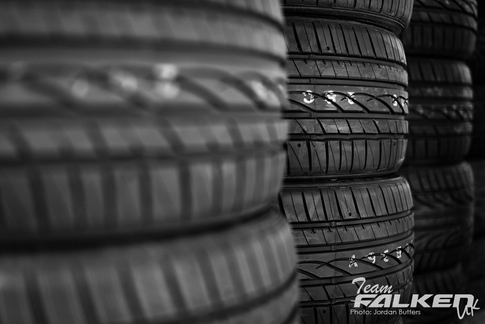 stack of tyres for drifting
