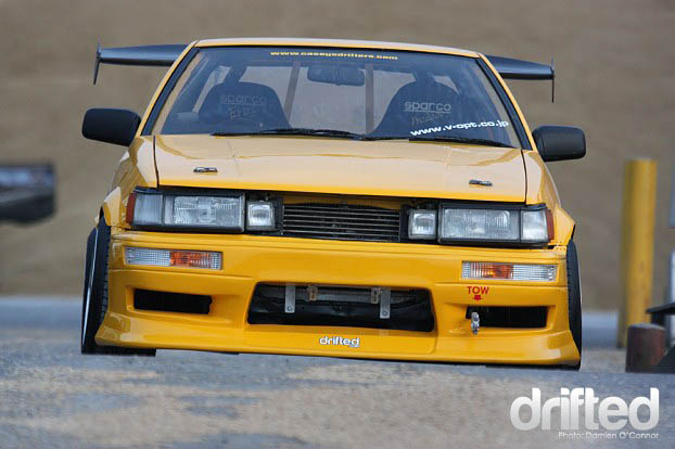toyota corolla ae86 hachi roku yellow front drift drifting drifted