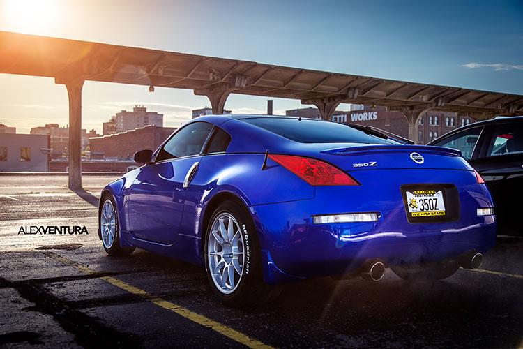 blue 350z rear