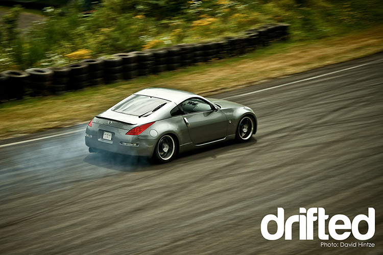 drifting 350z aerial view