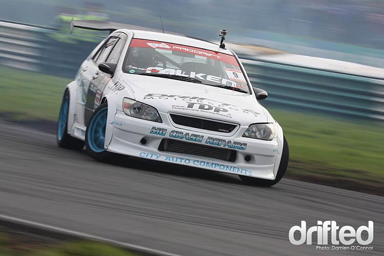white lexus is300 pro drift