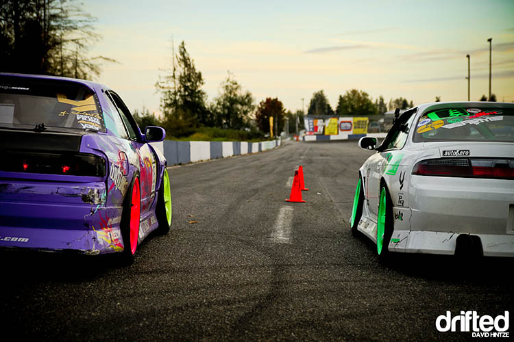 drift cars on starting grid nissan silvia s13 s14