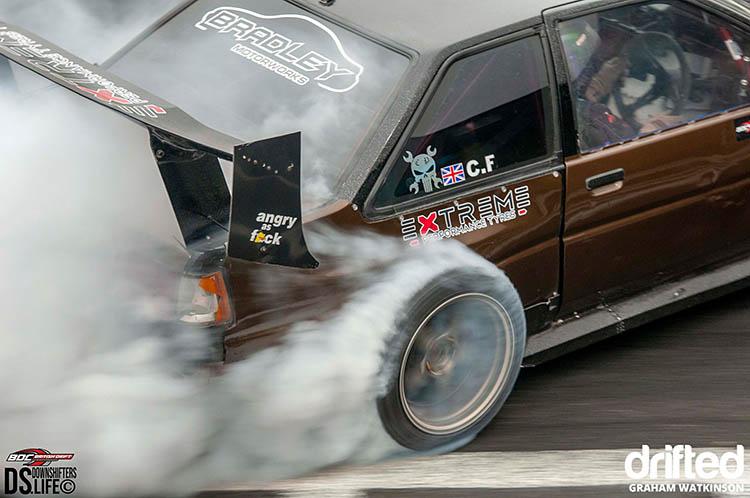 toyota corolla ae86 drift smoke drifting close up